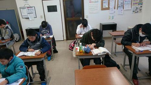 8:00 教室にもどってからは、学校の課題をガンガンやり進めてやり切ります。