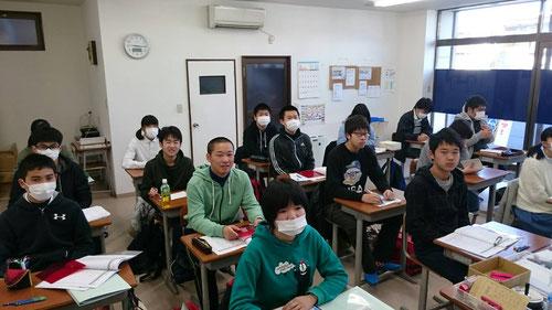 本校と同時開催のラストスパートゼミ。今日から県立入試前日までにいろいろなことをやっていきます。