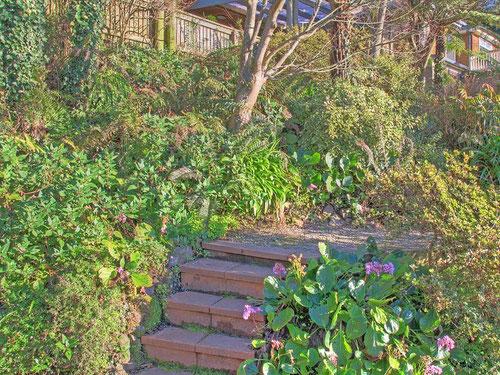 "Front 'garden"""
