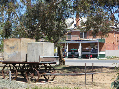 An old carriage at Underbool