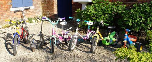 Gîte du cheval de renfort ; vélos enfants