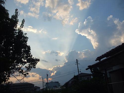 夕方の西の空が神々しかった!
