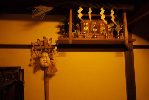 長屋の神棚