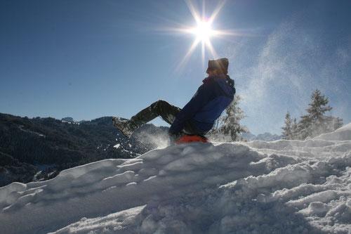 Alpthal Einsiedeln Mythen Haggenegg Holzegg Skiregion Skilifte Tourenski Felle Snow Schnee Winter Sonne Schwyz Zuerich Wintersport Brunni Bruni Schneeschuhlaufen Schneeschuhwandern Schlitteln Schlittelweg Schlittelpiste Winterwandern Fondue Gruppenevent