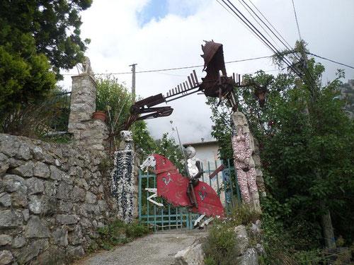 Ce portail, nous amuse toujours par son originalité !