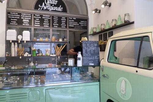 """""""Verde pistacho"""" au 239 de la Via Nazionale"""
