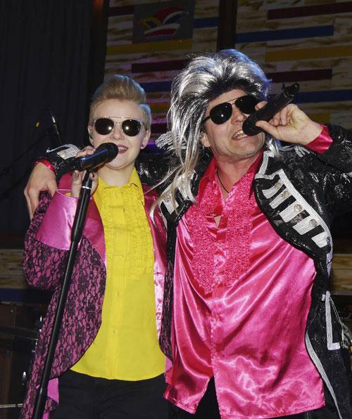 """Die Band """"Relax"""" hatten neben Rock und Pop auch viel Karnevalsmusik dabei und sorgte mit prima live-Musik für Stimmung."""