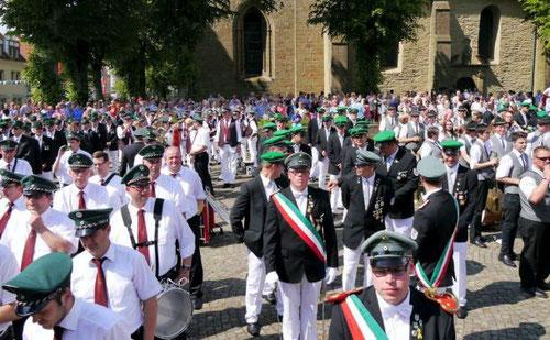Zwei Schützenvereine, sechs Kapellen, massig Zuschauer: Die Stimmung beim ersten fusionierten Fest am vergangenen Wochenende hätte schöner nicht sein können