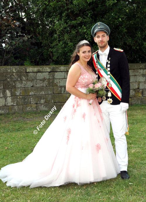 Das amtierende Königspaar Tom Fahle und Alexa Hoffmann