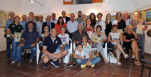 Foto ricordo con gli Artisti partecipanti ( Foto di Pasquale Raffo )