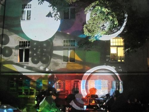 "novilla, berlin 2015, projekt ""ZWEILICHT"" mit cristina lelli ©stephan brenn"