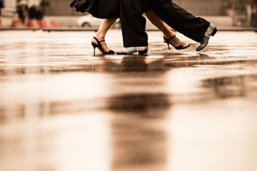 Tango Argentino tanzen - bei Regen auf St. Pauli