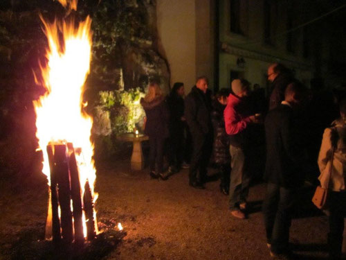 kreuzen Feuer im Schnee Solothurn