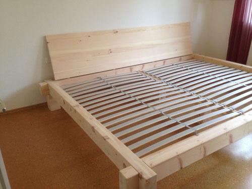 Zierbelkieferbett in Sondergröße 2,80m breit ,2m lang