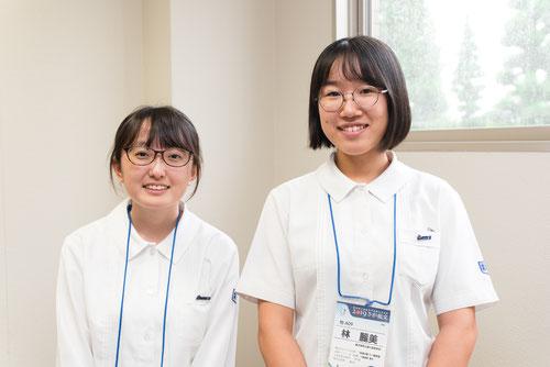 左から 篠原あみさん(3年)、林 麗美さん(3年)