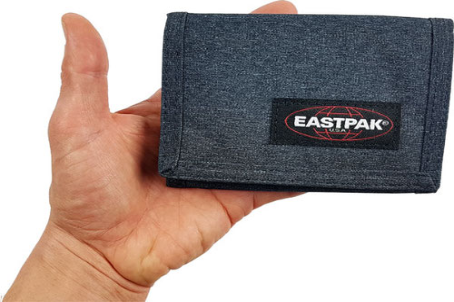 Eastpak Crew Geldb 246 Rse Test Beweist Das Leichtgewicht