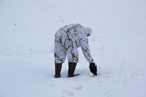 Schneetarnanzug für die Krähenjagd