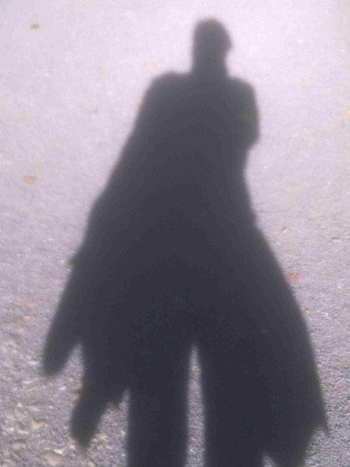 Tritt aus dem Schatten