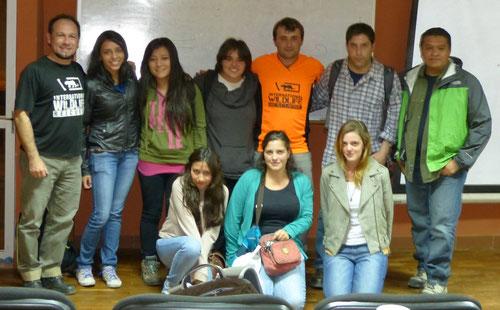 Nuestro coordinador de Becas, Guillem Chacon, con becados bolivianos en La Paz.