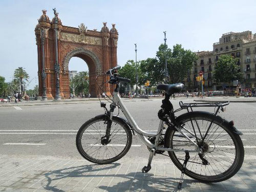Велосипедные экскурсии, экскурсии на велосипеде по Барселоне,  прогулки на велосипеде в Барселоне, велосипед в Барселоне, гид с велосипедом