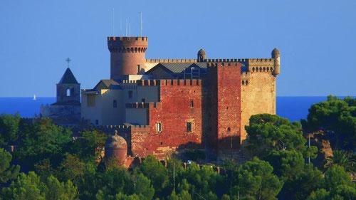 экскурсии в предместьях Барселоны, поездки возле Барселоны, замок Кастельдефельс, пещеры Гава