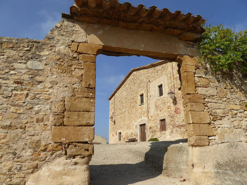 История Коста Брава, средневековые городки на Коста Брава, хороший гид на Коста Брава, исторические места Каталонии