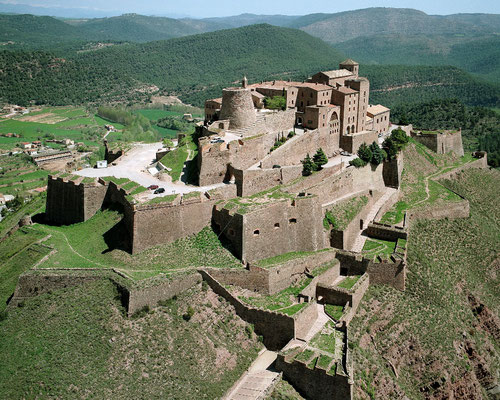 Соляные пещеры Кардона, замок Кардона, Солсона