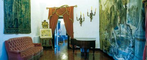 гид в музее сальвадора дали, экскурсия по музею сальвадора дали, треугольник дали, поездка в дом-музей Дали, дом музей Дали в Кадакес экскурсия в дом-музей Дали, экскурсия в замке Пуболь, гид в замке Пуболь, замок Галы, замок Дали