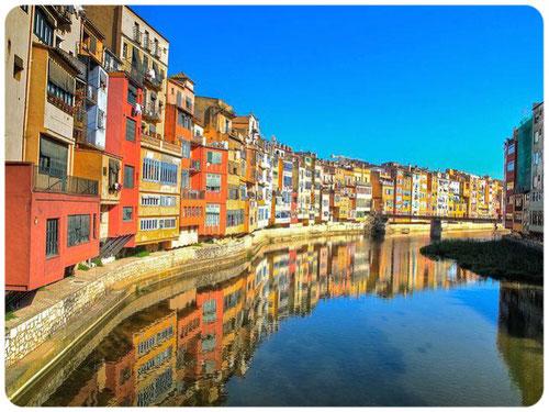 Gerona guía turístico con idioma ruso, guía turístico en Girona, guía oficial de Cataluña, guía turistico en Gerona, guía ruso en Gerona, guía ruso en Girona, guía con idioma ruso en Costa Bravaa