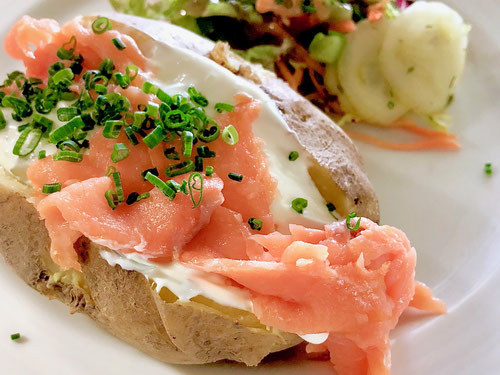 Meyers Gasthaus Maschen, Seevetal, Ofenkartoffel mit Lachs