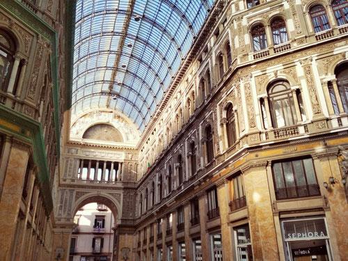 La meravigliosa Galleria Umberto I di Napoli (Photo by Gabriele Ferrando)