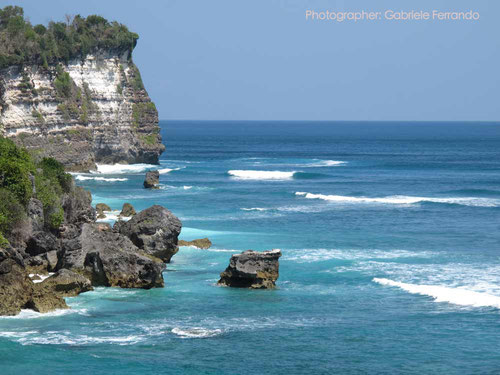 La costa di Uluwatu a Bali (Photo by Gabriele Ferrando)