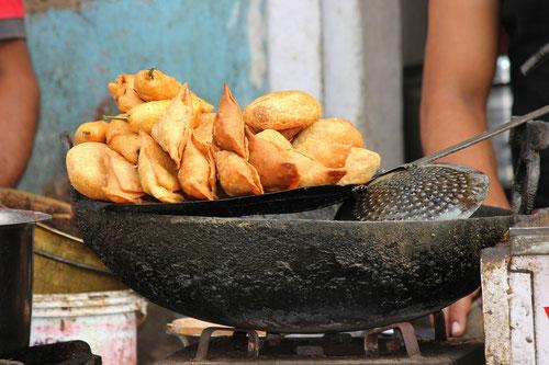 Ricetta delle Samosa, famoso snack indiano (Photo by Kspoddar)