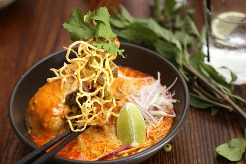 Khao Soi, classico piatto di Chiang Mai - Thailandia
