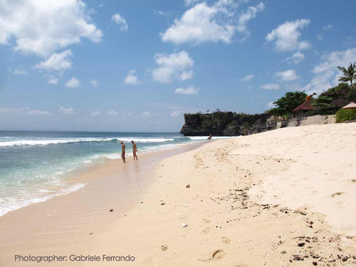 La bellissima spiaggia di Balangan a Bali. (Photo by Gabriele Ferrando)