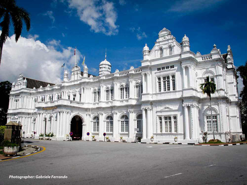 La City Hall di Georgetown, nell'isola di Penang - Malesia (Photo by Gabriele Ferrando)