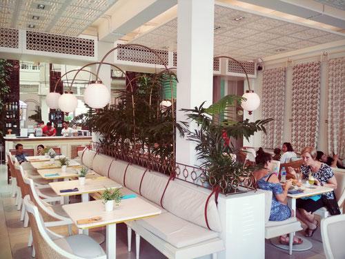 Sala principale del ristorante BATIK a Seminyak - Bali (Photo by Gabriele Ferrando)