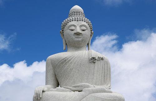 Il Big Buddha sulla cima della collina a Phuket