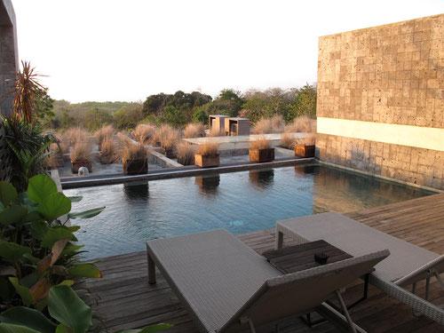 Il pool Deck della Hideaways Villa in cui abbiamo dormito ad Uluwatu