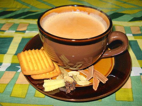 Ricetta del Masala Chai, Tè indiano speziato (Photo by Photo by Miansari66)