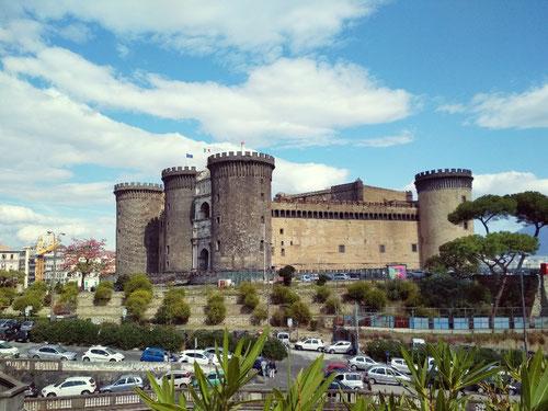 Il Castel Nuovo di Napoli, comunemente chiamato Maschio Angioino (photo by Gabriele Ferrando)
