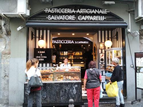 La Pasticceria Salvatore Capparelli a Via dei Tribunali 325 a Napoli (Photo by Gabriele Ferrando)