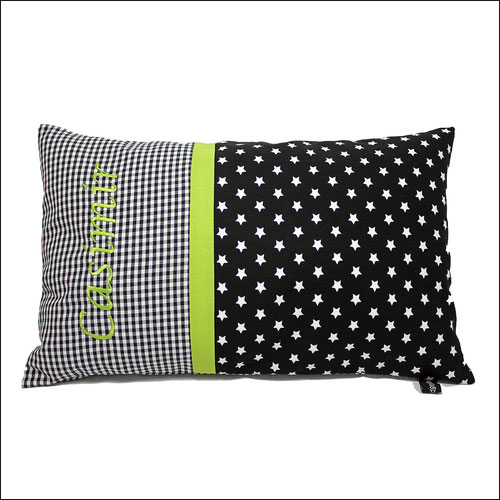 Kissen mit Name in schwarz weiß grün Sterne Namenskissen