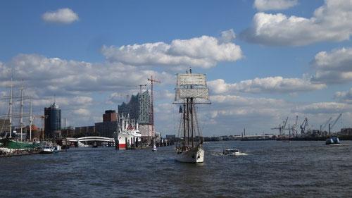 Ein wunderbarer Anblick in den Hamburger  Hafen....