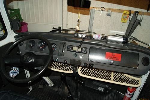 geänderter Schaltknauf 2012, Bambusablage 2012, Drehzahlmesser VDO 2011, Standheizung bei Neuwagenkauf an Bord