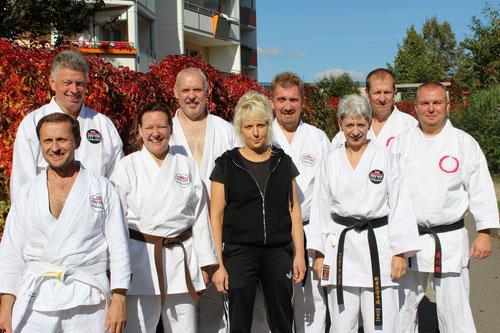 Karateka beim Kyusho-Seminar