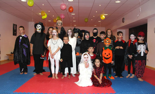Karate-Kinder beim Halloweentraining