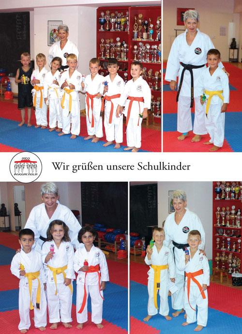Gruß an die Schulkinder aus der Karategruppe