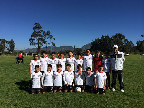 Equipo Pre-infanfil de San Pablo empata 3-3 con la Escuela Compartir EDF, en primer juego del año 2014 en el Torneo de Maracaná