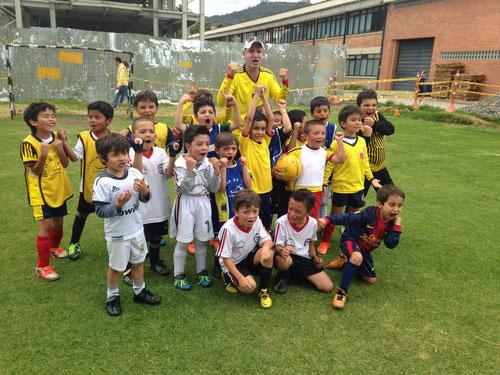 Equipo iniciación, Escuela de fútbol San Pablo-Bogotá , Octubre 2013